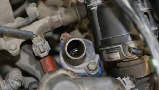 小汽車水箱風扇不轉是什么問題,汽車風扇不轉了原因分析及解決辦法