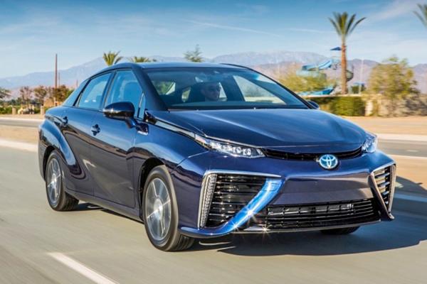評測氫燃料電池車豐田Mirai:難道這就是未來?| 室長報告